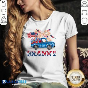 Granny Car Flowers American 4th Of July V-neck - Design By Blablatees.com