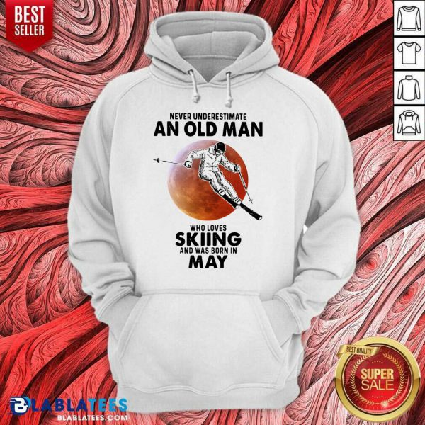 Never Underestimate An Old Man Who Loves Skiing April Blood Moon Hoodie - Design By Blablatees.com